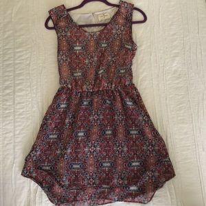 Dresses & Skirts - Cute Flowy Summer Dress 👗✨